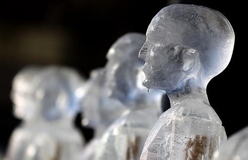 Néle Azevedo - Minimum Monument's Melting Men