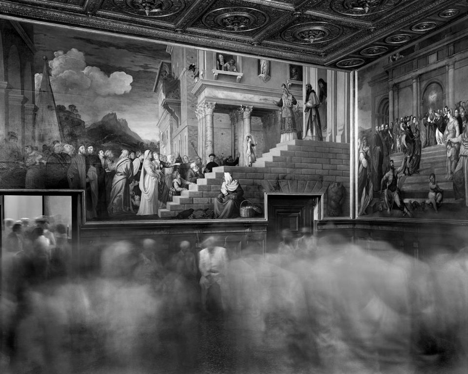 Matthew Pillsbury - Time Frame, The unveiling of Titian's presentation of Mary, Gallerie dell'Accademia, 2013Matthew Pillsbury - Time Frame, The unveiling of Titian's presentation of Mary, Gallerie dell'Accademia, 2013